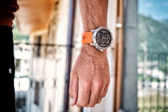 La Coros Vertix 2, la montre GPS avec 135h d'autonomie ! Test
