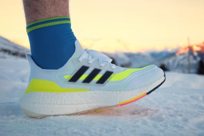 Adidas UltraBoost 21, sur la neige
