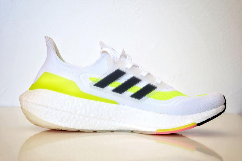 Adidas UltraBoost 21| Vue de profil, extérieur de la chaussure